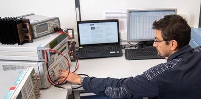 Mesure de la puissance électrique par un expert au CETIAT