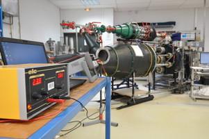 Un des bancs du laboratoire de débitmétrie gaz au CETIAT