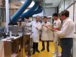 Travaux pratiques au laboratoire de thermométrie au CETIAT