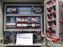 Armoire pour les travaux pratiques en dépannage électrique appliqué au chauffage